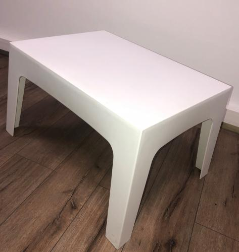 Table basse en polypropylène blanche